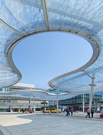 The shape of the Texlon® ETFE canopy at the Bus Station Aarau, Switzerland, has been compared to a lingering cloud.