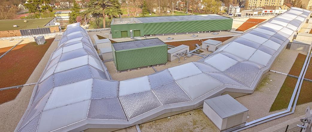 Die Texlon® ETFE-Folienkonstruktion überspannt die Passagen und verleiht dem Dach ein außergewöhnliches Open-Air-Erlebnis.