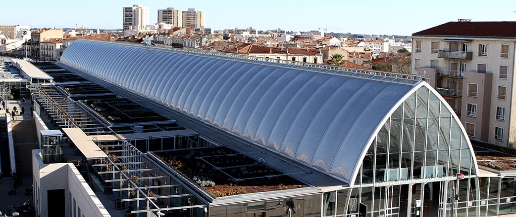 The Texlon® ETFE inflated panels help to control the climate.