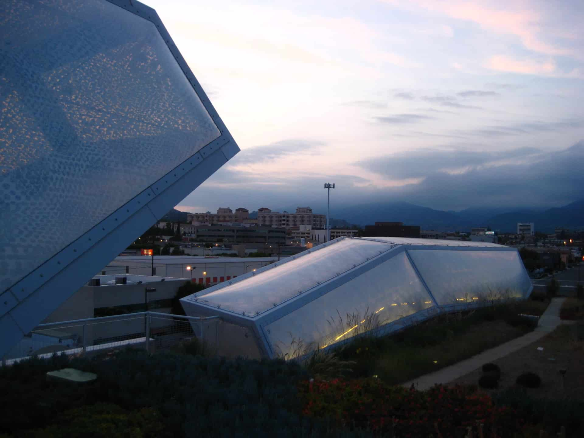 Vector Foiltec's variable shading ETFE technology at the Art Center College of Design is comprised ETFE foil with custom patterns.