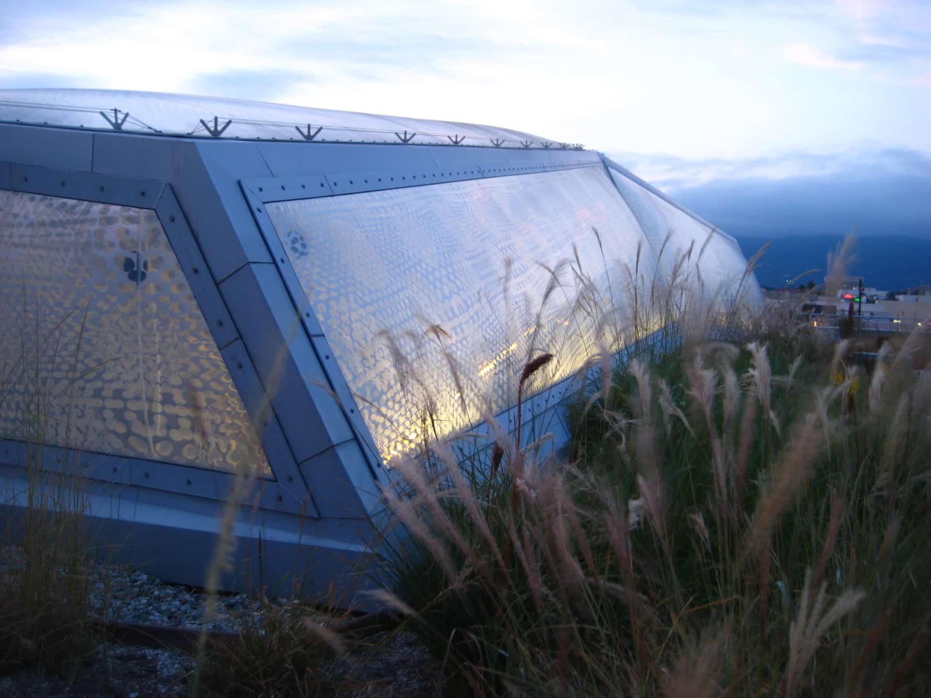 Die leichte Texlon® ETFE Folientechnologie wurde für den Art Center College of Design in Pasadena eingesetzt.