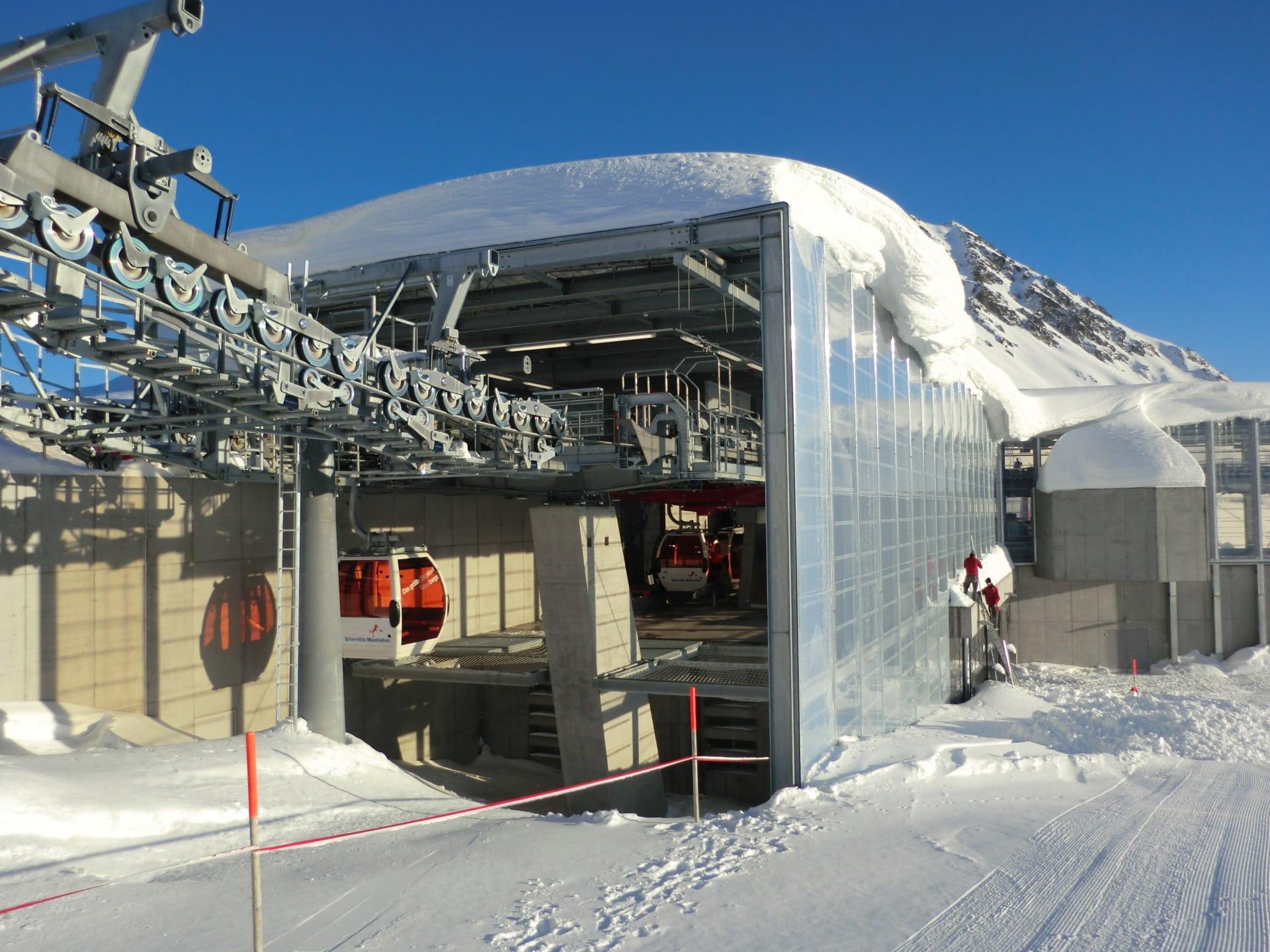 Inspirierendes Projekt bestehend aus 2.435 m² transparenter Texlon® ETFE-Folie in rauem Klima.