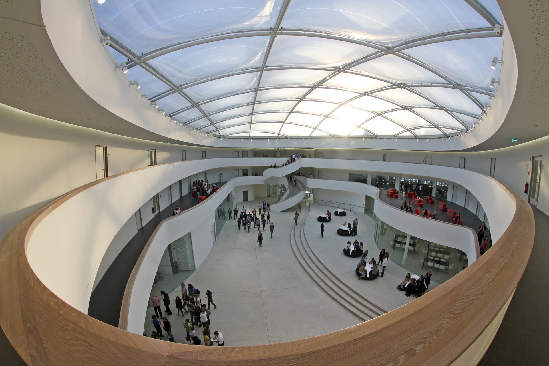 In 2012, Vector Foiltec was contracted to install a sustainable Texlon® ETFE roof over one of the school's atriums.