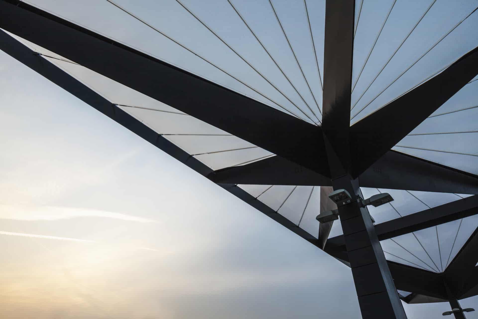 Vector Foiltec installierte sechs Texlon® ETFE-Überdachungen am Busbahnhof Tottenham Hale