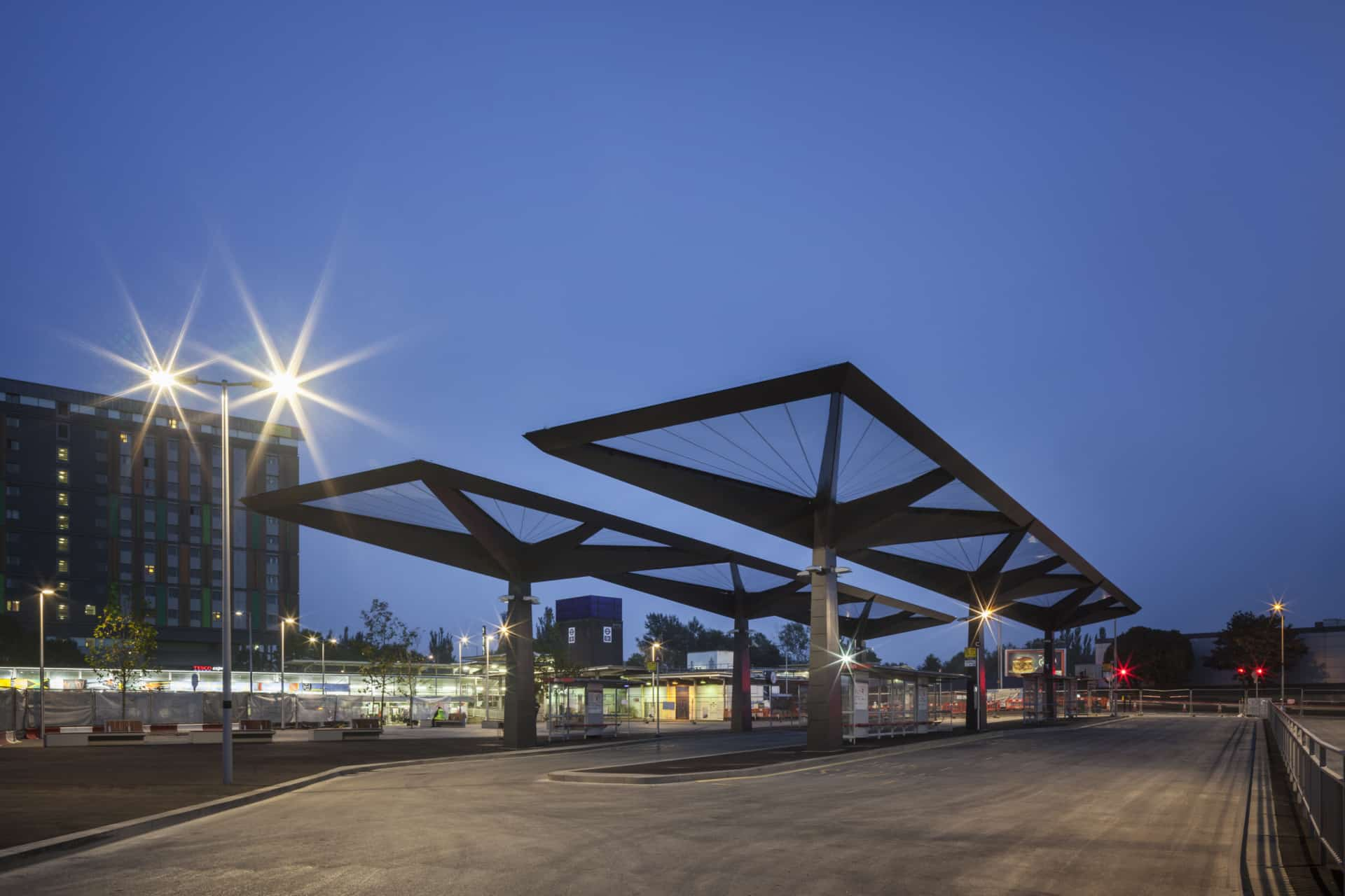 Tottenham Hale bus station features six stunning Texlon® ETFE canopies that seamlessly combines aesthetics, design and functionality.
