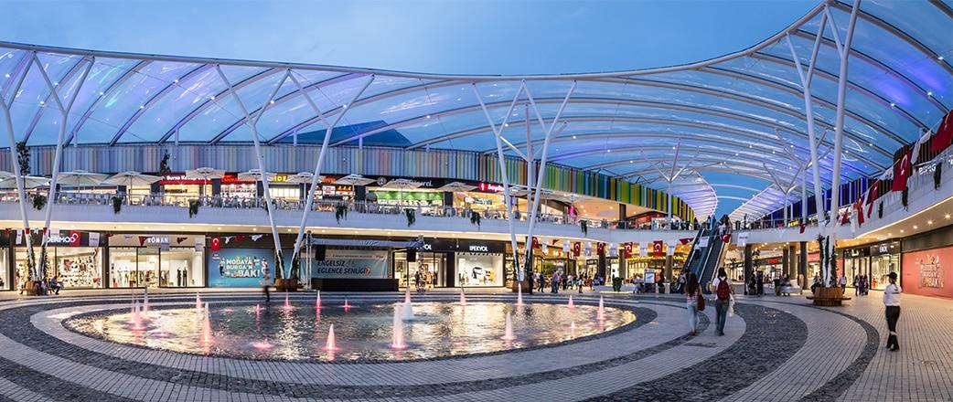 Vector Foiltec entwarf, konstruierte und installierte einen Texlon® ETFE-Dach für das 41 Burda Shopping Center in Kocaeli mit einer einzigartigen Dachkonstruktion.