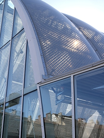 Print pattern on the ETFE foil helps to control the climate.