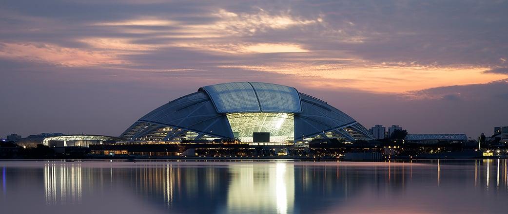 Die Konstruktion aus Stahl und Texlon® ETFE, die sich über beeindruckende 312 m spannt, ist der größte freitragende Kuppelbau der Welt.
