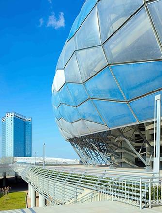 Individuelle Texlon® ETFE Panele reduzieren Stahltragwerk.