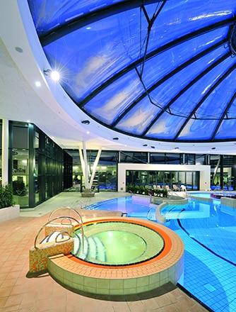 Texlon® ETFE-Folienkissen von Vector Foiltec im Erlebnisbad GraftTherme.