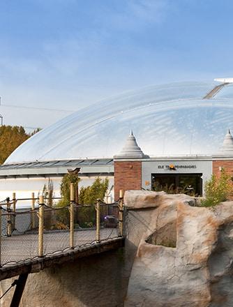 Texlon® ETFE-Folien sind unglaublich transparent und ermöglichen eine hohe Lichtdurchlässigkeit in Gebäuden.