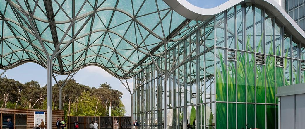 Der Eingang zur Floriade-Ausstellung 2012 wird von einer Reihe von Texlon® ETFE-Vordächern abgedeckt. Jetzt: Nutzung des Brightlands Campus Greenport Venlo.