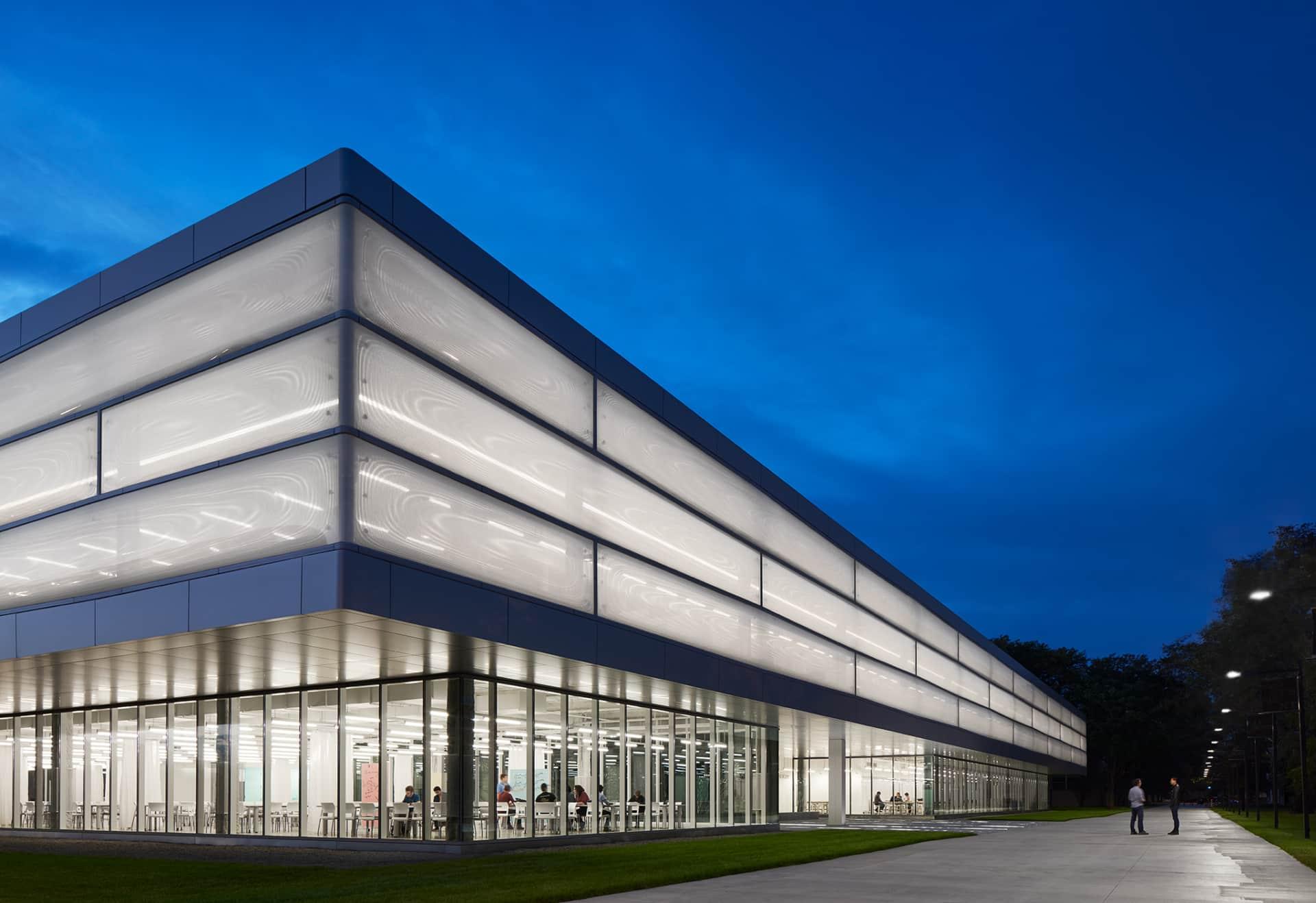 Das innovative Gebäude Kaplan Institut auf dem Campus von Illinois Tech mit einer einzigartigen Texlon® ETFE Fassade von Vector Foiltec.