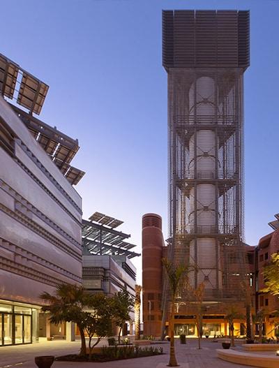 Wir haben die Texlon® ETFE-Fassade in ein hochleistungsfähiges isoliertes Aluminiumsystem eingebaut.