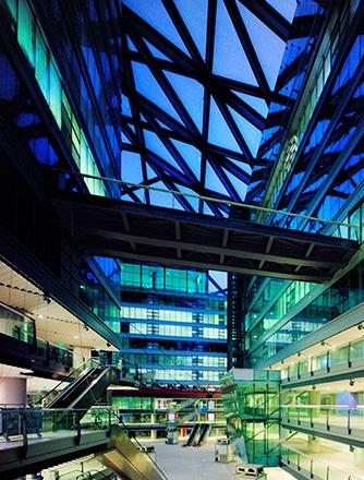 Parkview Green Fang Cao Di gehört zu den weltweit limitierten LEED Platinum-zertifizierten Gebäuden und ist beeindruckend.