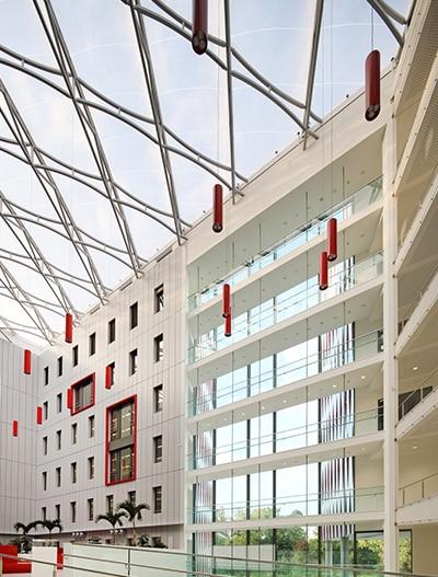Texlon® ETFE unterstützt das kommunikative und nachhaltige Konzept des HOLM.