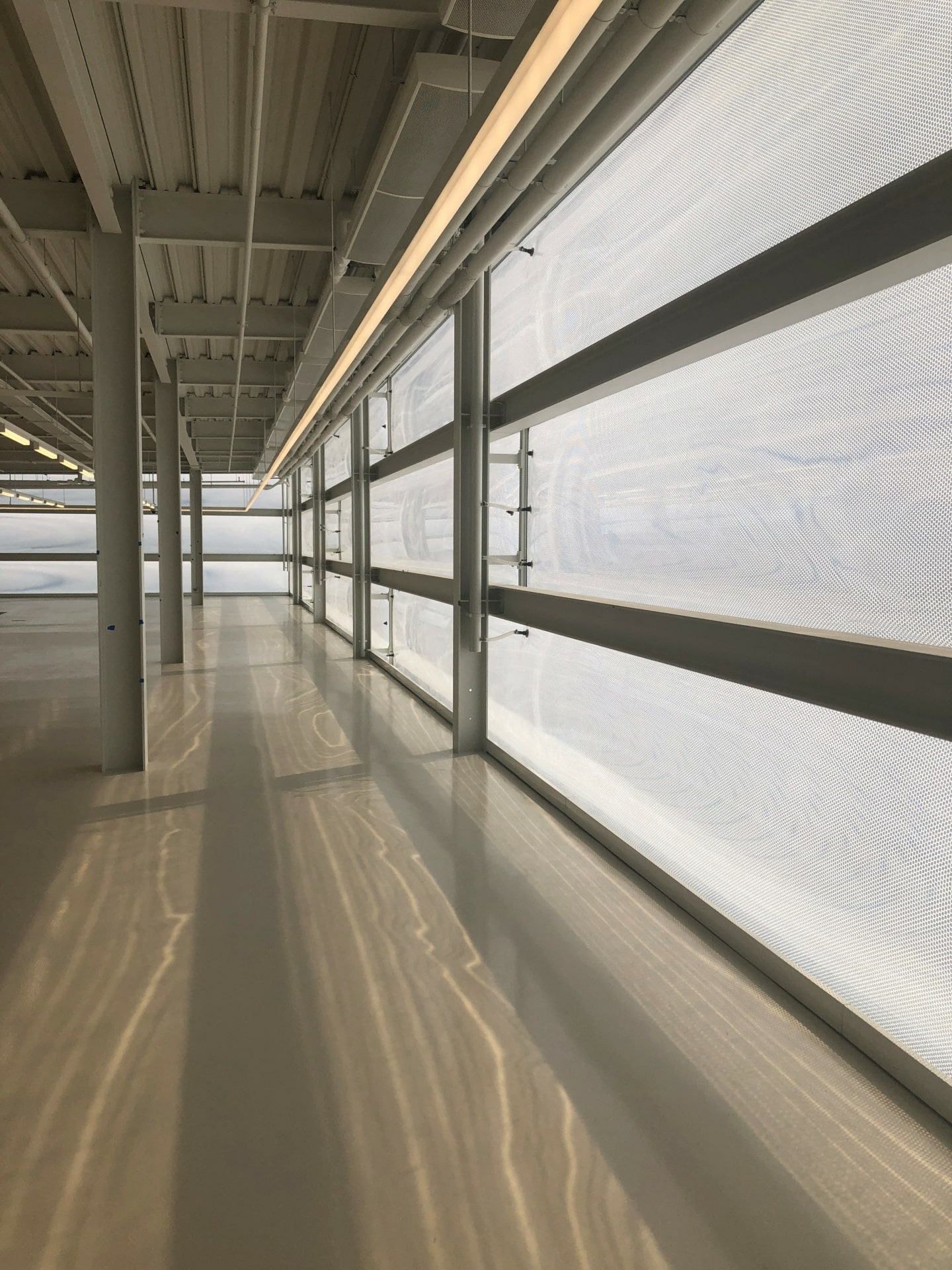 Innenbeleuchtung durch die innovative Texlon® ETFE-Fassade.