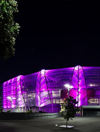Covering an impressive 9,527m2, the Texlon® ETFE facade consists of almost 400 double layer cushions designed to mimic New Zealand's iconic ferns and the local rock strata.