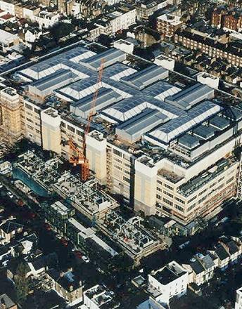 Das 1990 erbaute Chelsea & Westminister Hospital ist das älteste Texlon® ETFE-Projekt von Vector Foiltec in Großbritannien.
