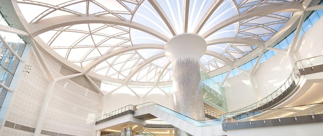 Sandton City ist eine preisgekrönte Ergänzung der Skyline von Johannesburg und das erste Projekt in Südafrika, das die Texlon® ETFE-Technologie einsetzt.